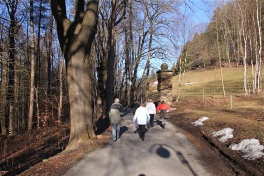 Spaziergang zum Schloss Hohenwendel